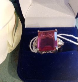 Red gemstone ring